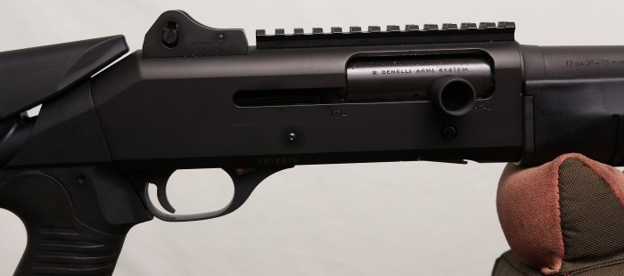 benelli M4 action detail